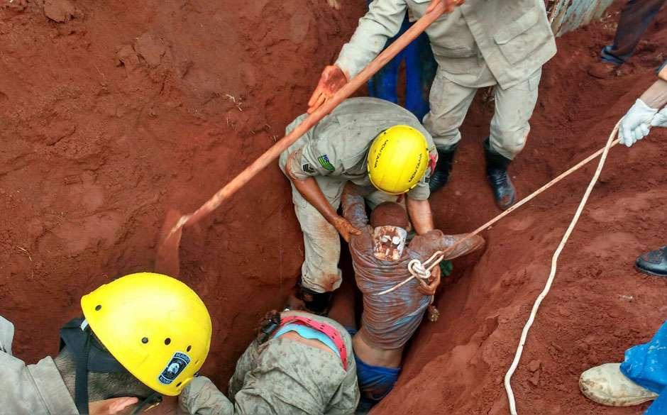 Morre operário que foi soterrado durante obra em Aparecida