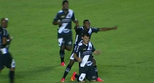 Vila perde mais uma e segue calvário na Série B