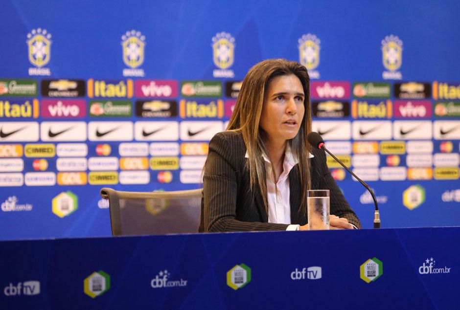 Emily faz 1ª convocação na seleção e chama 23 jogadoras para torneio em Manaus