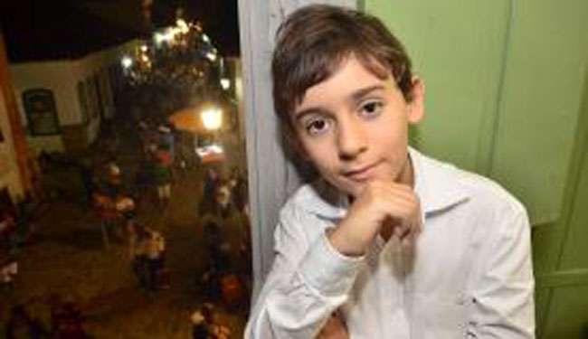 Leitor de Dante e Homero, menino de 10 anos lança livro de poesia na Flip