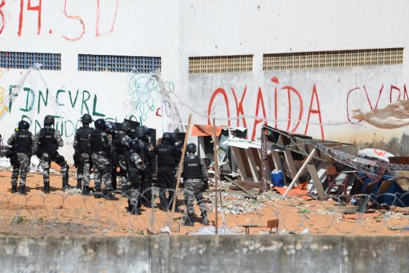 Policiais militares voltam a entrar na Penitenciária de Alcaçuz