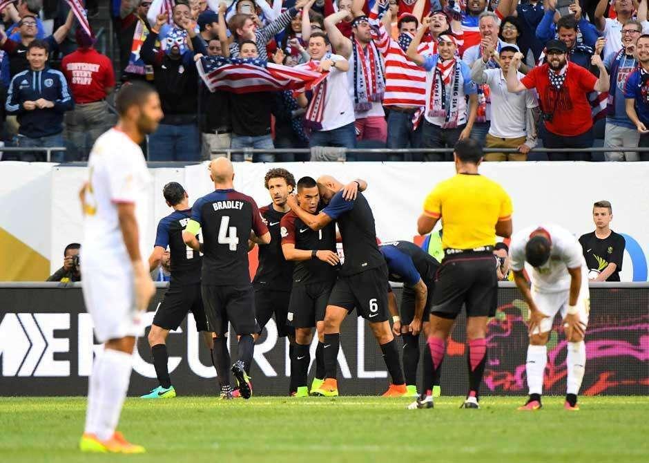 Estados Unidos fazem quatro na Costa Rica e vencem a primeira na Copa América