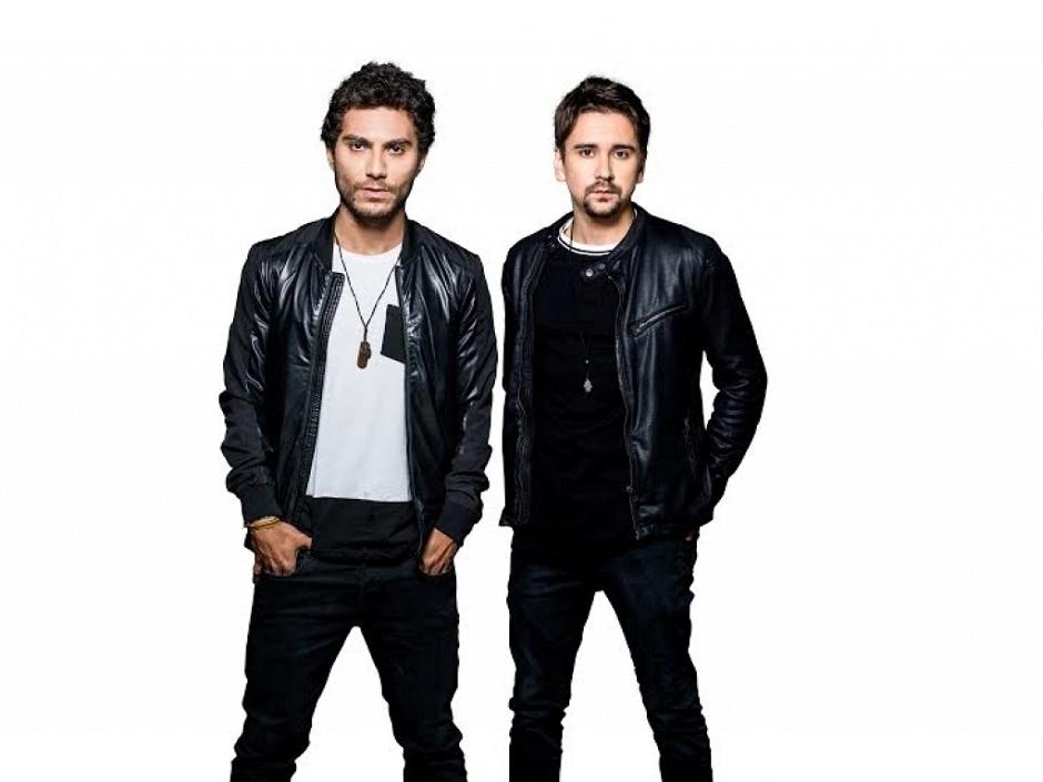 Bruninho e Davi fazem show no Villa Mix