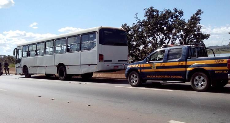 Jovem é preso na BR-070 suspeito de roubar ônibus em Águas Lindas