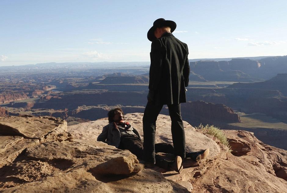 Os androides estão conscientes – e violentos – em trailer de Westworld