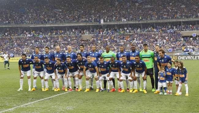 Cruzeiro vence e é bi com duas rodadas de antecedência