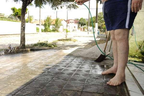 Câmara de São Paulo aprova multa de R$ 1 mil para quem desperdiçar água