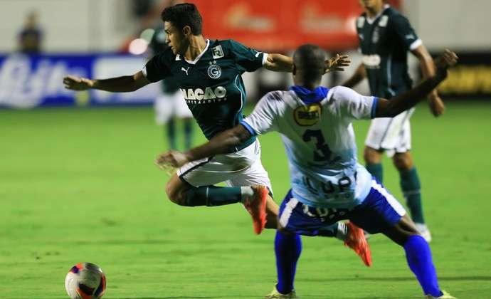 Com Gol de Felipe Menezes,  Goiás vence o Grêmio Anápolis