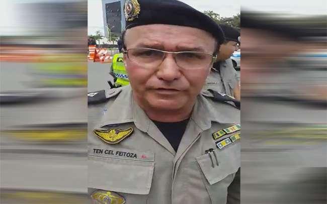 Governador manda afastar policial que teria tomado panela de manifestantes