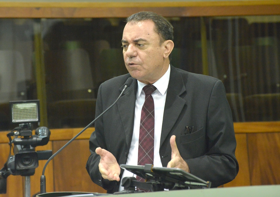 Deputado apresenta projeto de lei para acabar com o horário de verão em Goiás
