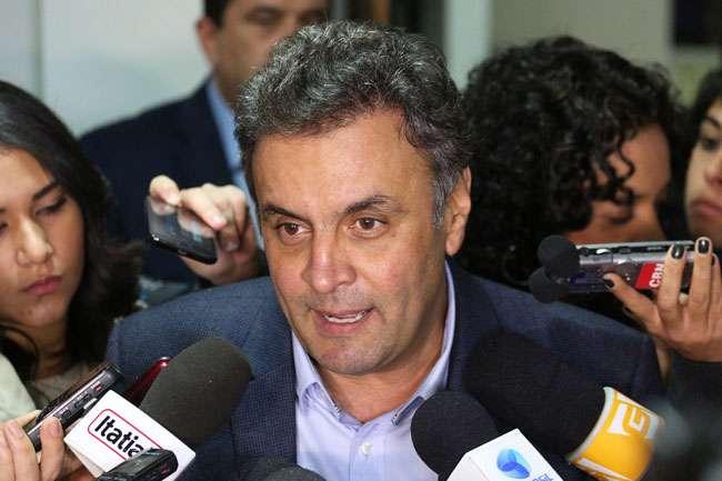 Aécio vai apoiar campanha contra voto nulo e asbtenção
