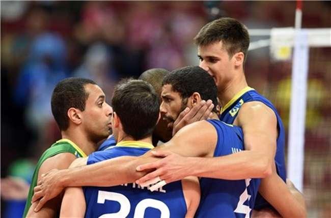 Brasil arrasa Tunísia e ganha outra no Mundial de Vôlei