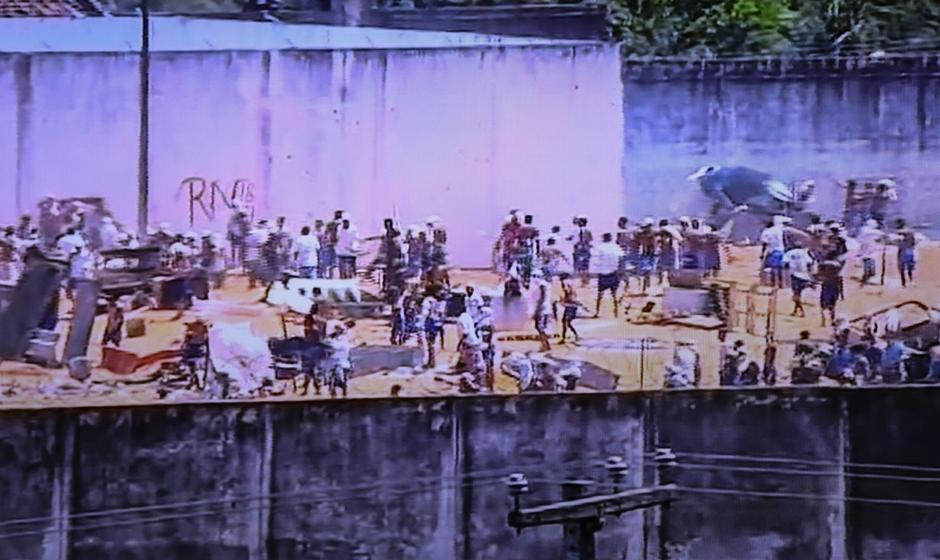 No Rio Grande do Norte, penitenciária de Alcaçuz vive 6º dia de motim