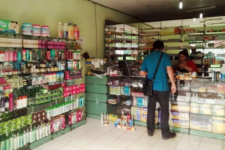Decon fecha mais uma drogaria clandestina em Goiânia