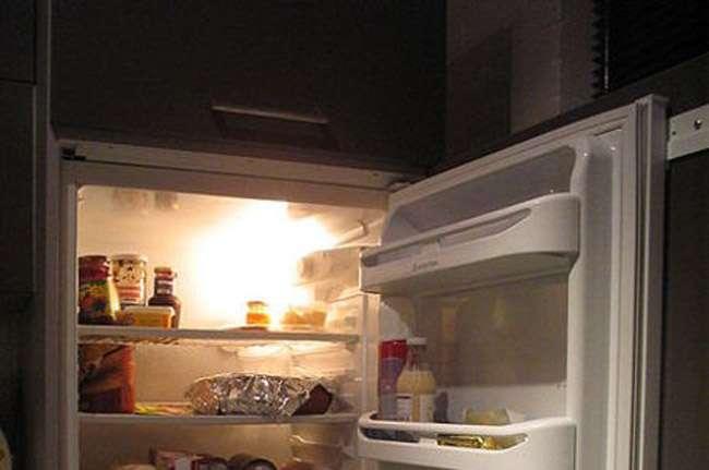 Justiça manda prender homem que estuprou o filho e o colocou de castigo dentro de geladeira