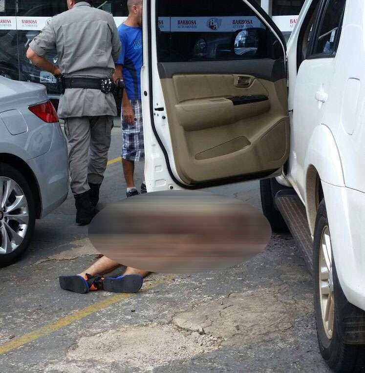 Homem é morto a tiros na porta de revenda de carros na Avenida Mutirão
