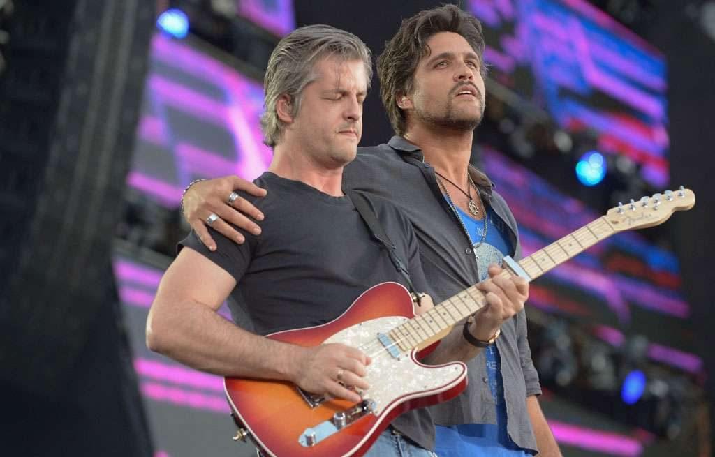 Fotos: Veja como foi o show da dupla Victor e Leo no Villa Mix