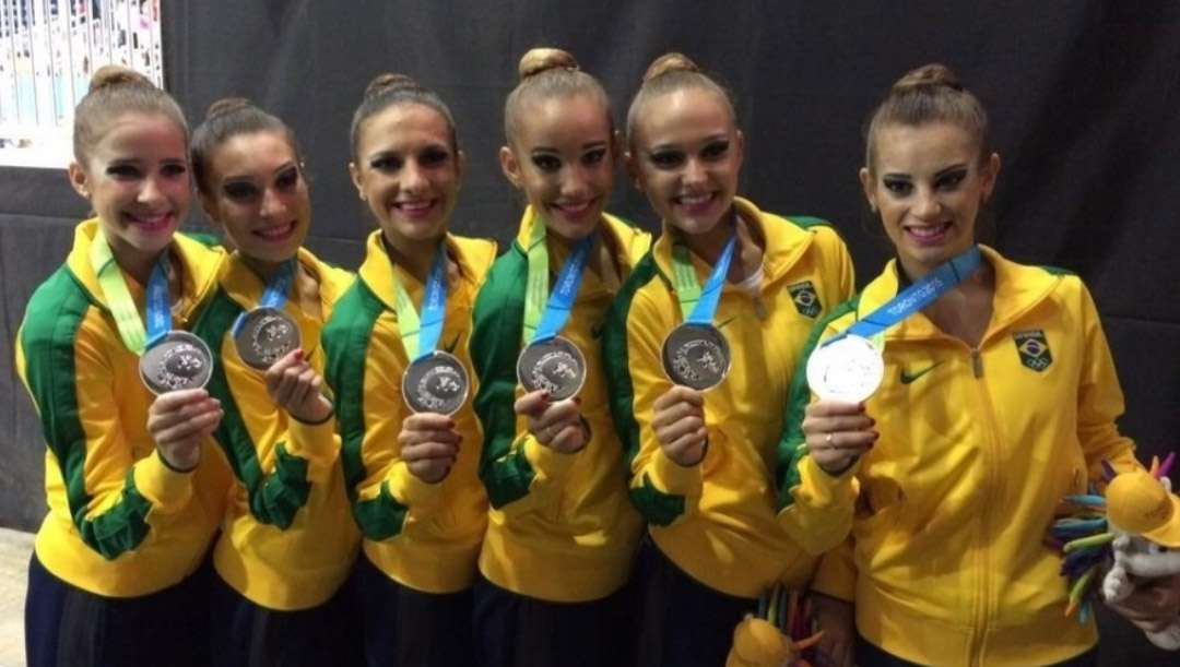 Equipe brasileira fica com a prata na ginástica rítmica