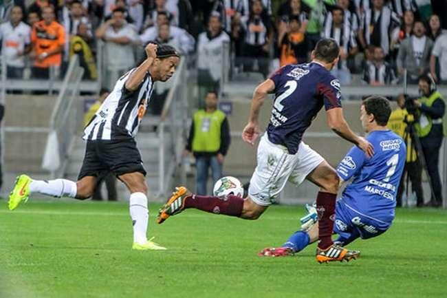 Ronaldinho Gaúcho deixa o Atlético-MG