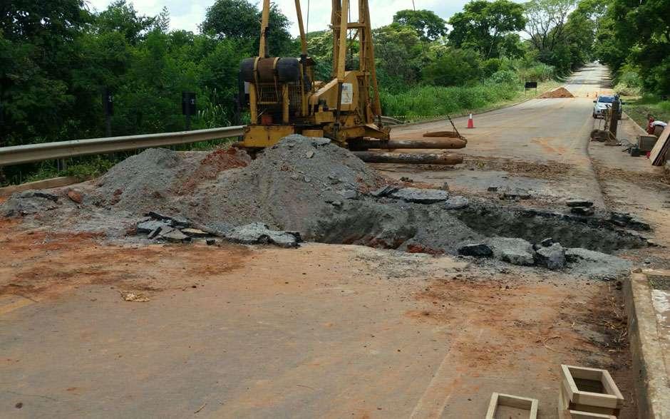 Encabeçamento de ponte na GO-060 recebe reparos