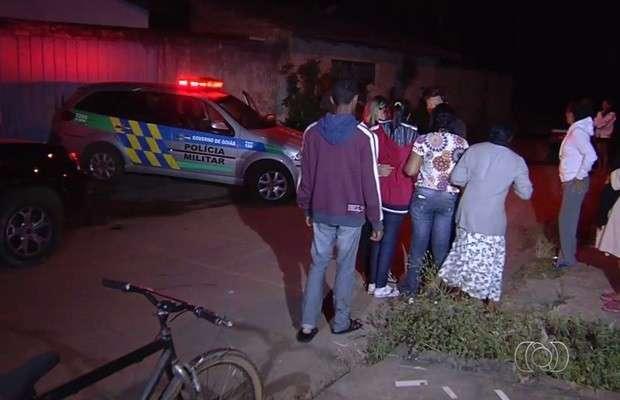 Dupla invade casa e mata a tiros garota de 18 anos em Aparecida de Goiânia