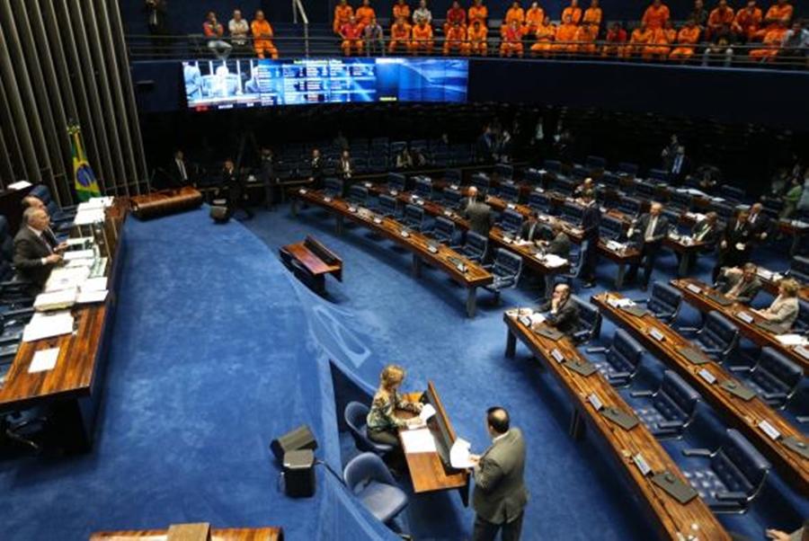 Senado pode votar PEC dos Gastos e reforma política esta semana