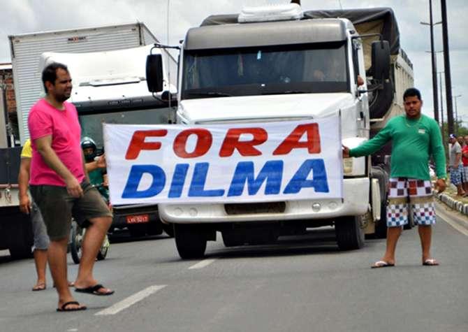 Dilma diz que governo não tem como baixar o preço do diesel