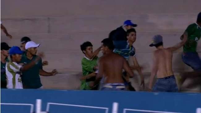 Briga no jogo do Goiás: torcedores do Vila estavam infiltrados em uniformizada do Figueirense