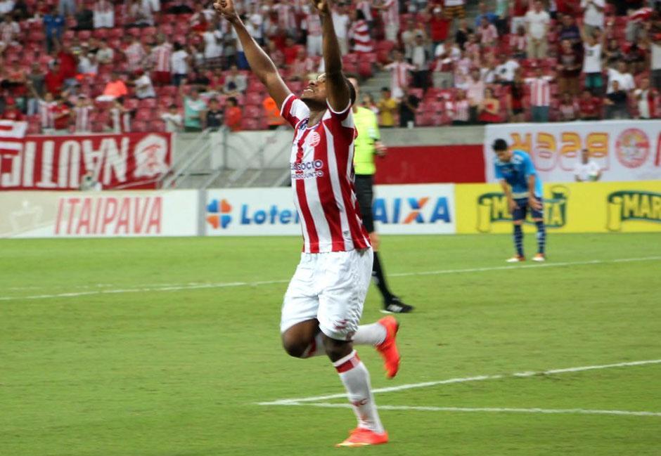 Em casa, Vila Nova perde por 2 a 0 para o Náutico