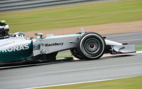 Rosberg crava pole, Vettel sai em 2º e Massa é só o 16º