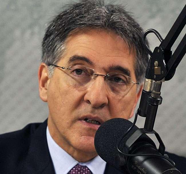 Pimentel diz desconhecer documento sobre Porto de Cuba