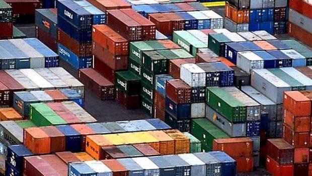 Balança comercial de fevereiro registra pior resultado desde 1995