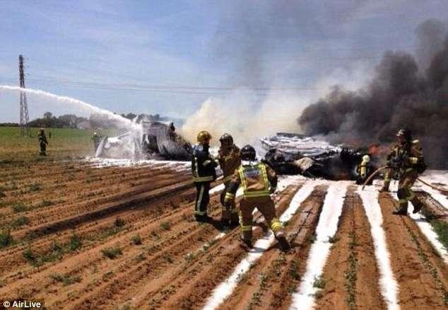 Airbus militar cai e deixa pelo menos 4 mortos na Espanha