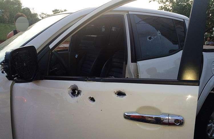 Homem é baleado dentro de carro em rua do Residencial Celina Park