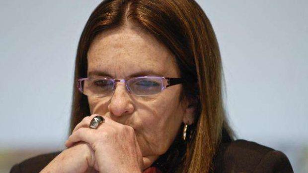 Após denúncia, oposição pede afastamento e indiciamento de Graça Foster