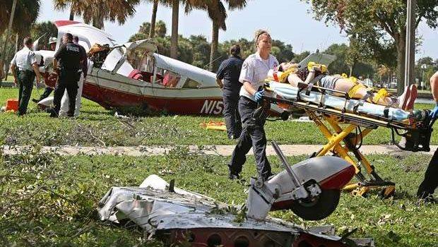 Avião de pequeno porte cai em parque dos Estados Unidos