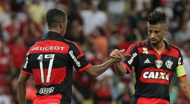 Com 2 de Gabriel, Flamengo bate o Internacional no Rio