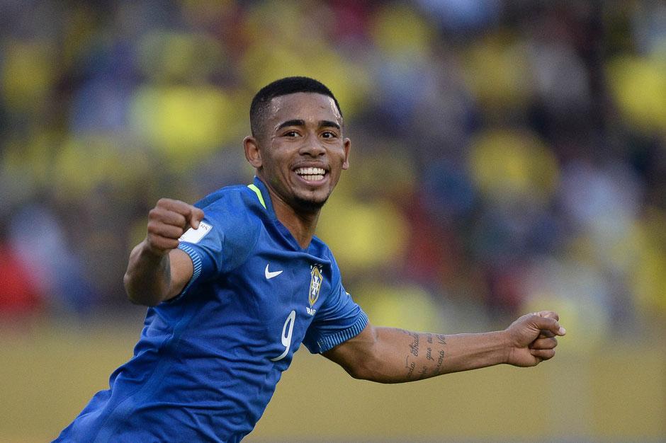 Gabriel Jesus brilha na estreia de Tite e Brasil derrota o Equador por 3 a 0