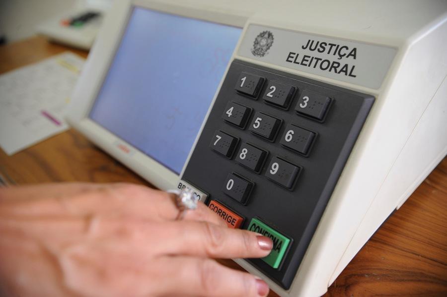 TRE-DF prepara urnas que serão enviadas ao exterior