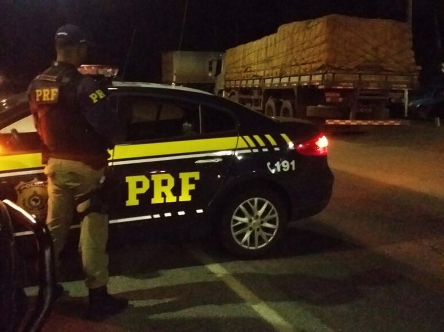 Motorista de caminhão é preso com rebite na BR-153, em Porangatu