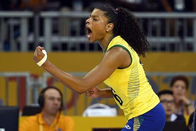 Em virada espetacular, Brasil faz 3 a 2 em Porto Rico e está na final