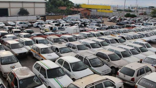 Leilão de veículos do Estado arrecada cerca de R$ 500 mil
