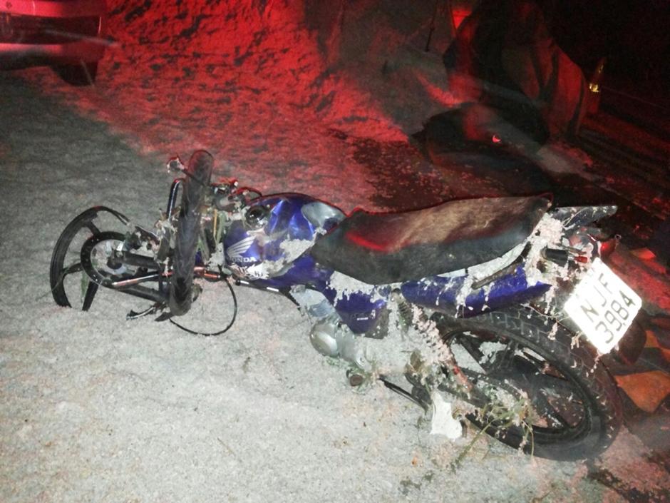 Casal de jovens morre após bater em caminhão na BR-364, em Mineiros