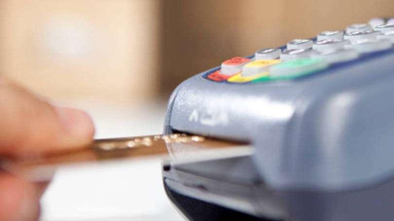 Juros de cartões atingem 399,84% ao ano, diz Anefac
