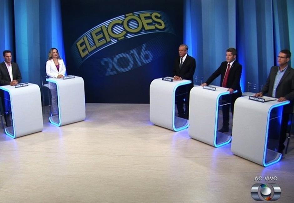Em último debate antes das eleições, candidatos trocam farpas
