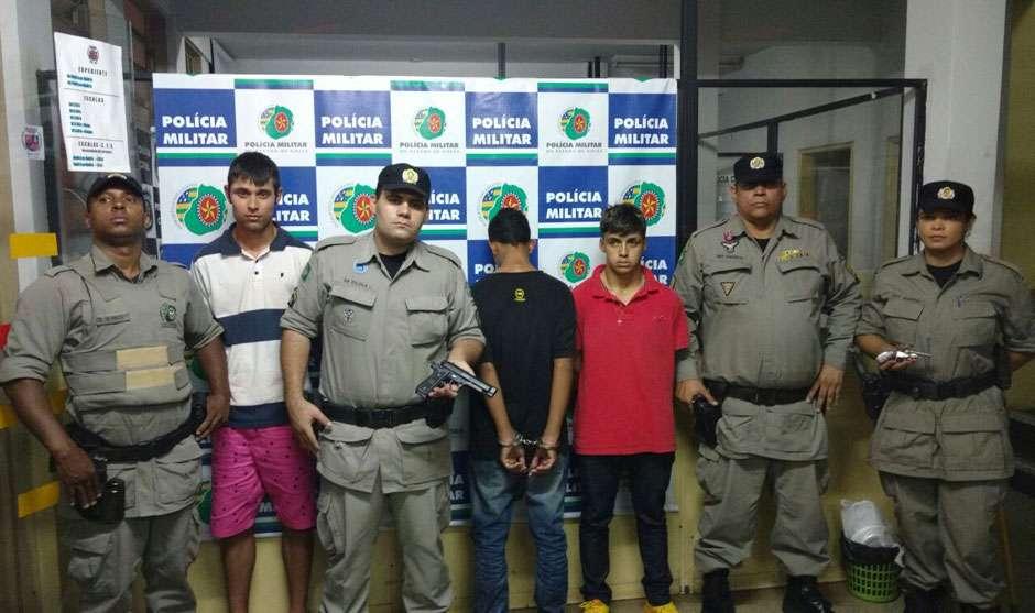 Dois homens são presos e menor é apreendido após sequestrar um homem, em Goiânia