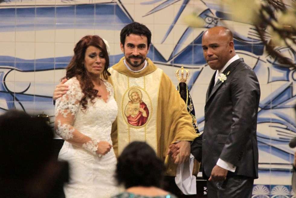 Cantor sertanejo Rick se casa na Basílica de Nossa Senhora de Aparecida