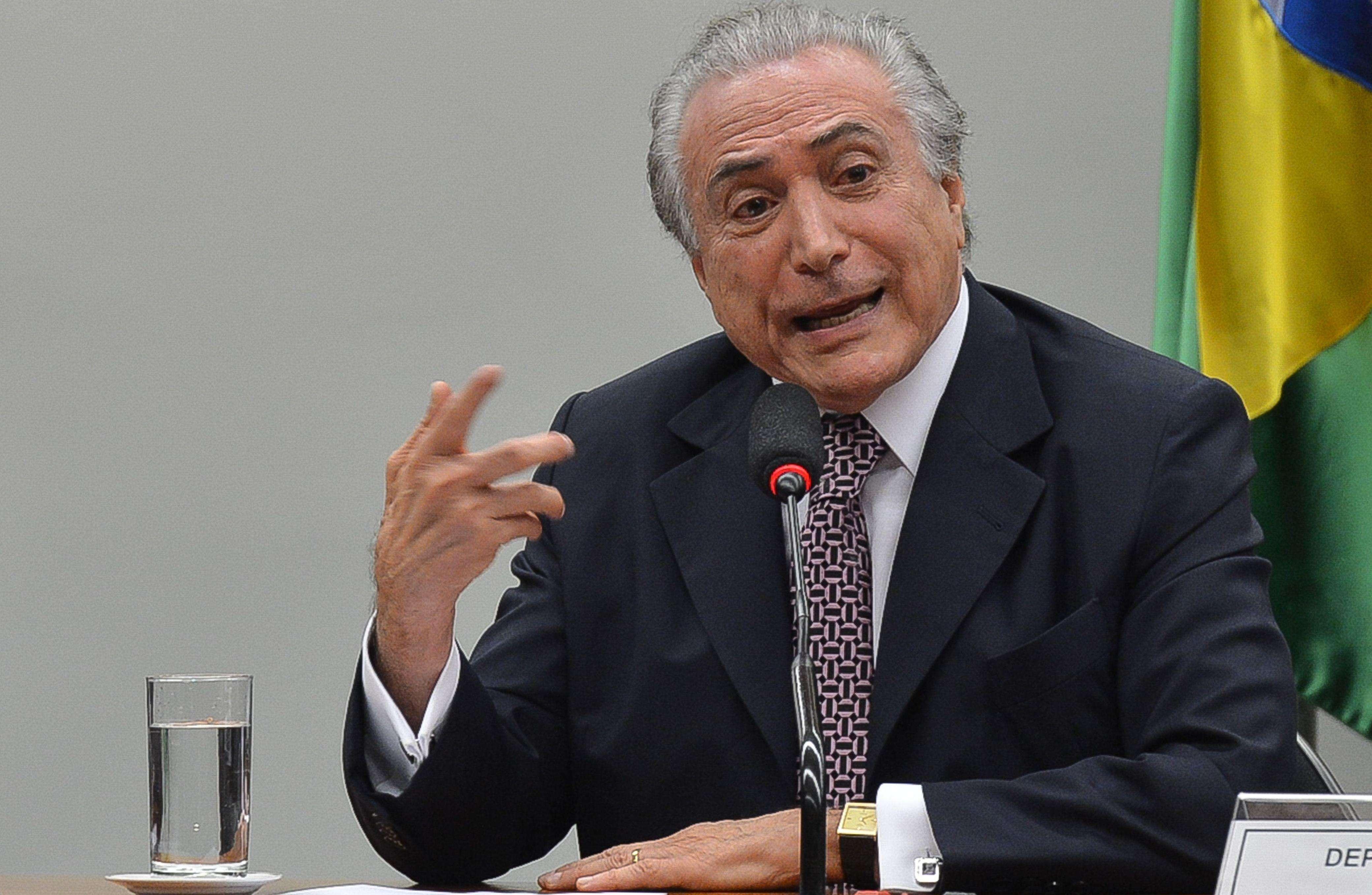 Temer participa de festa de senador em Goiânia antes de voltar a Brasília