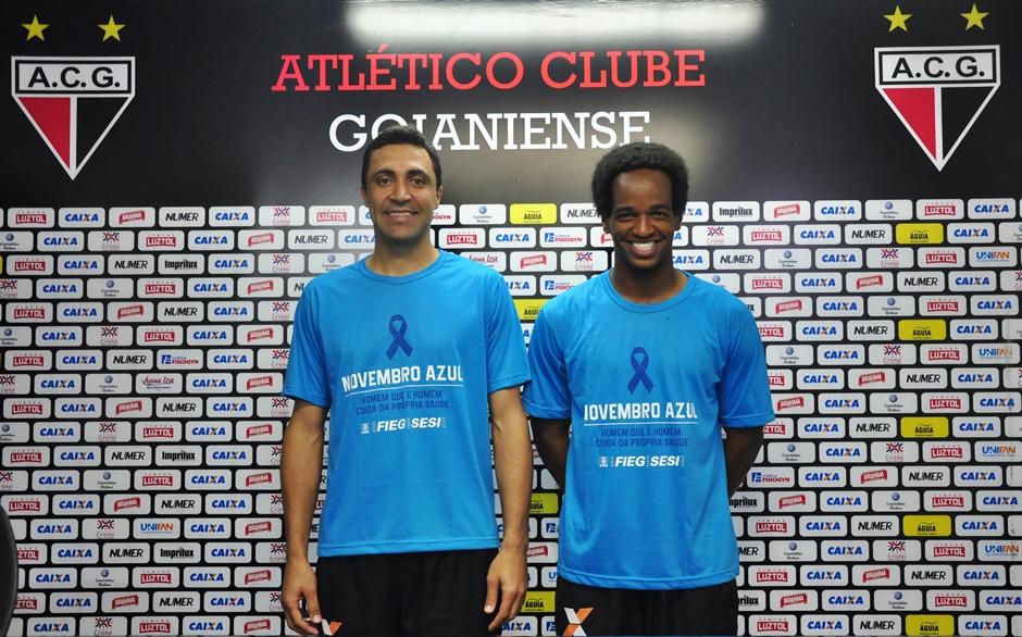 Jogadores do Atlético-GO participam de ação do Novembro Azul