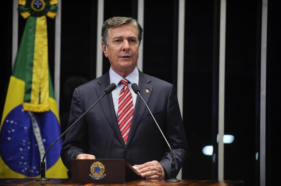 Janot acusa Collor por 30 crimes de corrupção